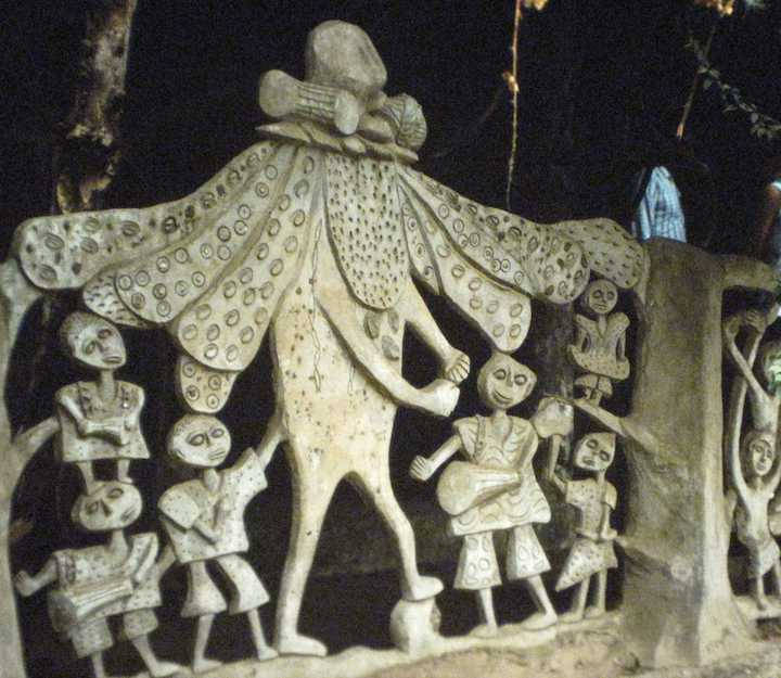 photo of art carving in Nigeria